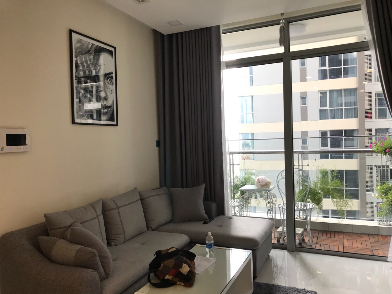 vinhomes central park apartment for rent in binh thanh district hcmc BT105L399 (1)