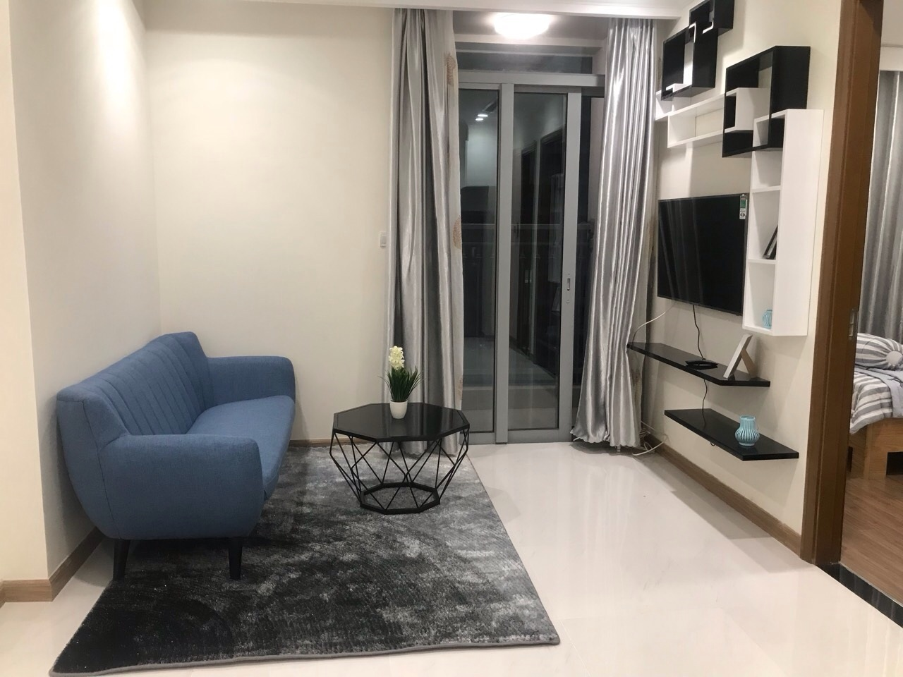 apartment for rent in Vinhomes Central Park Binh Thanh  District HCM BT105L3520 (2)