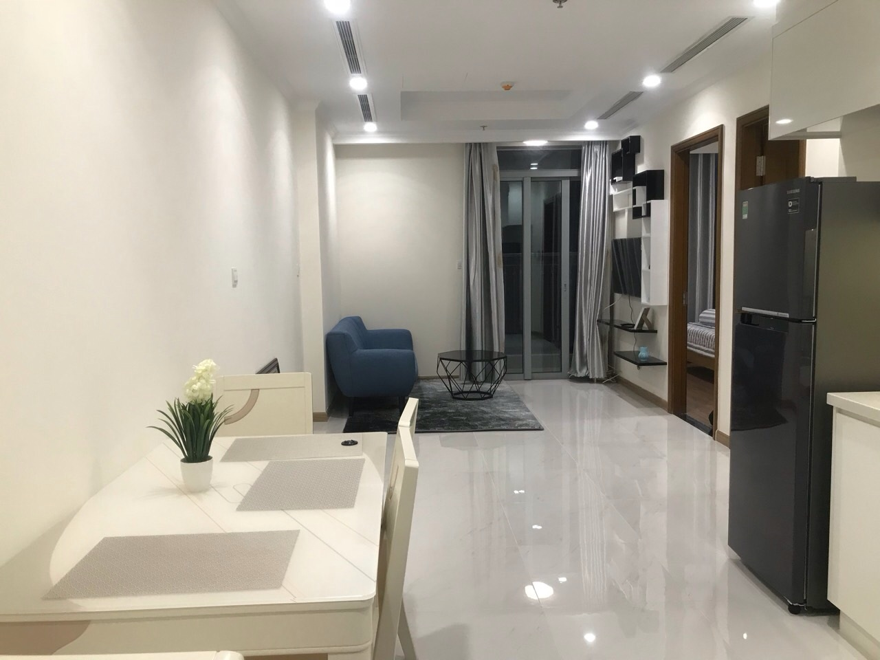 apartment for rent in Vinhomes Central Park Binh Thanh  District HCM BT105L3520 (3)