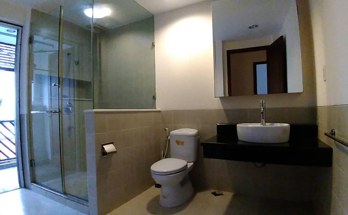 villa for rent in district 2 D22001080 (1)