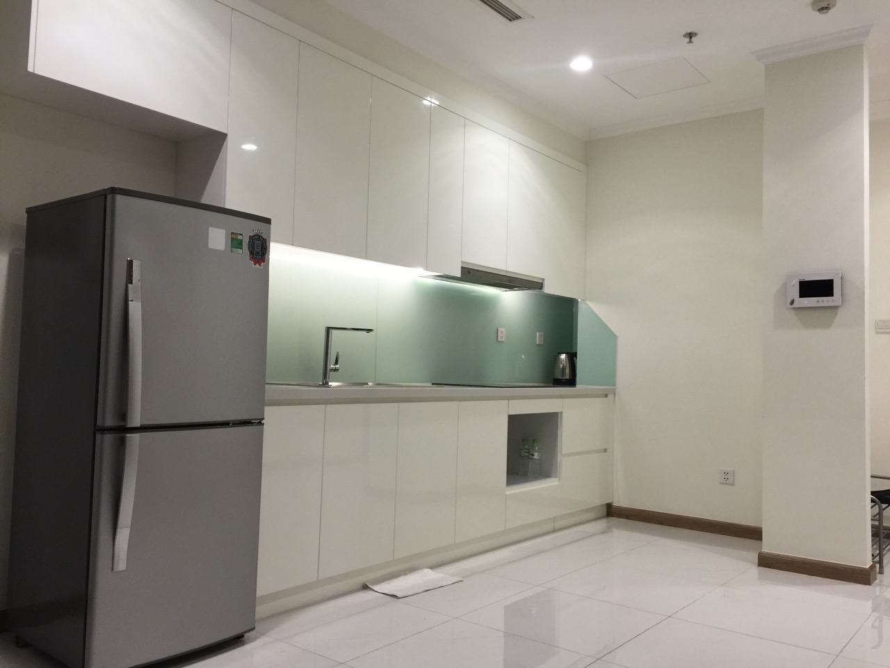 vinhomes central park apartment for rent in binh thanh district hcmc BT105L3877 (1)