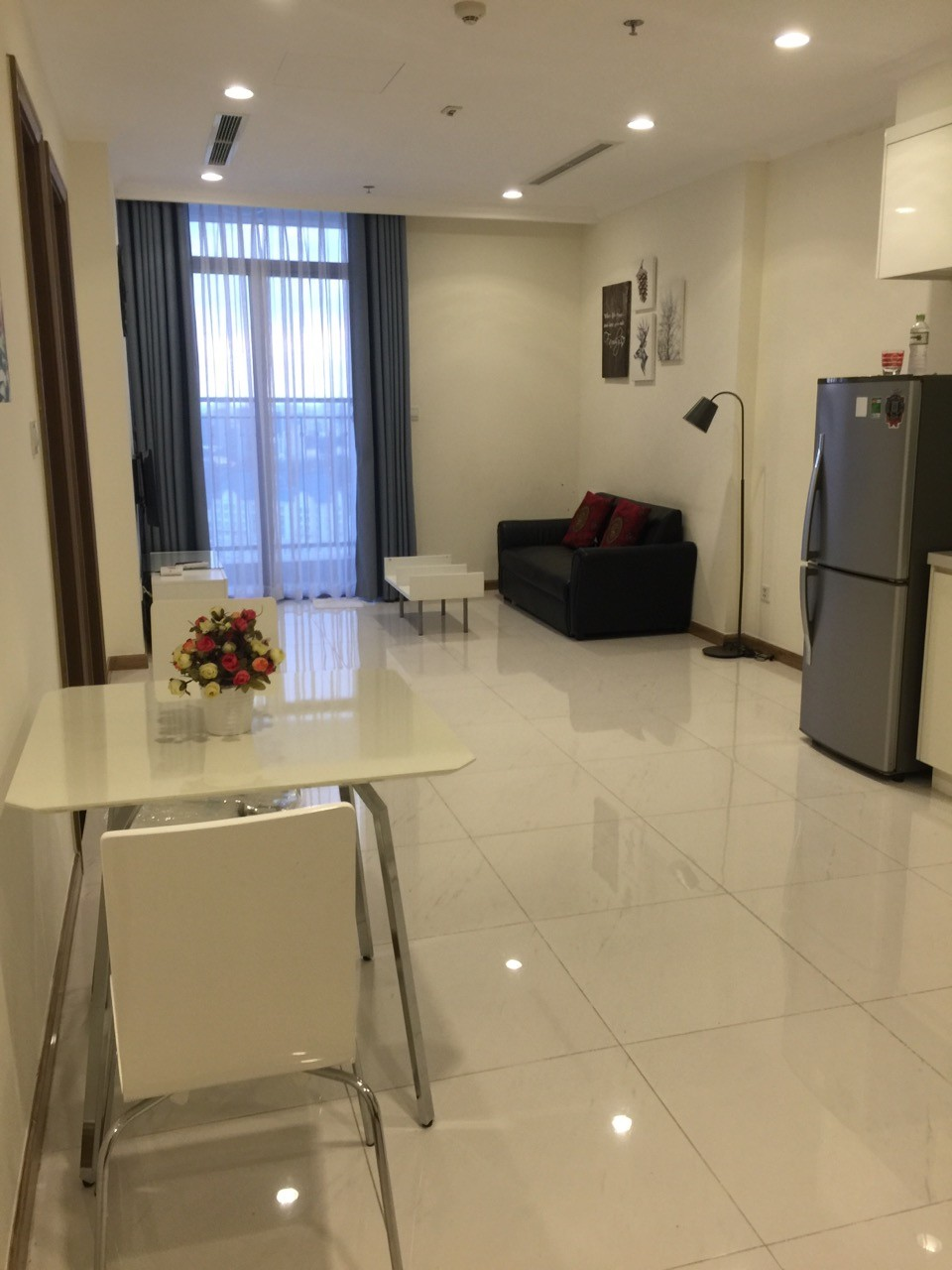 vinhomes central park apartment for rent in binh thanh district hcmc BT105L3877 (2)