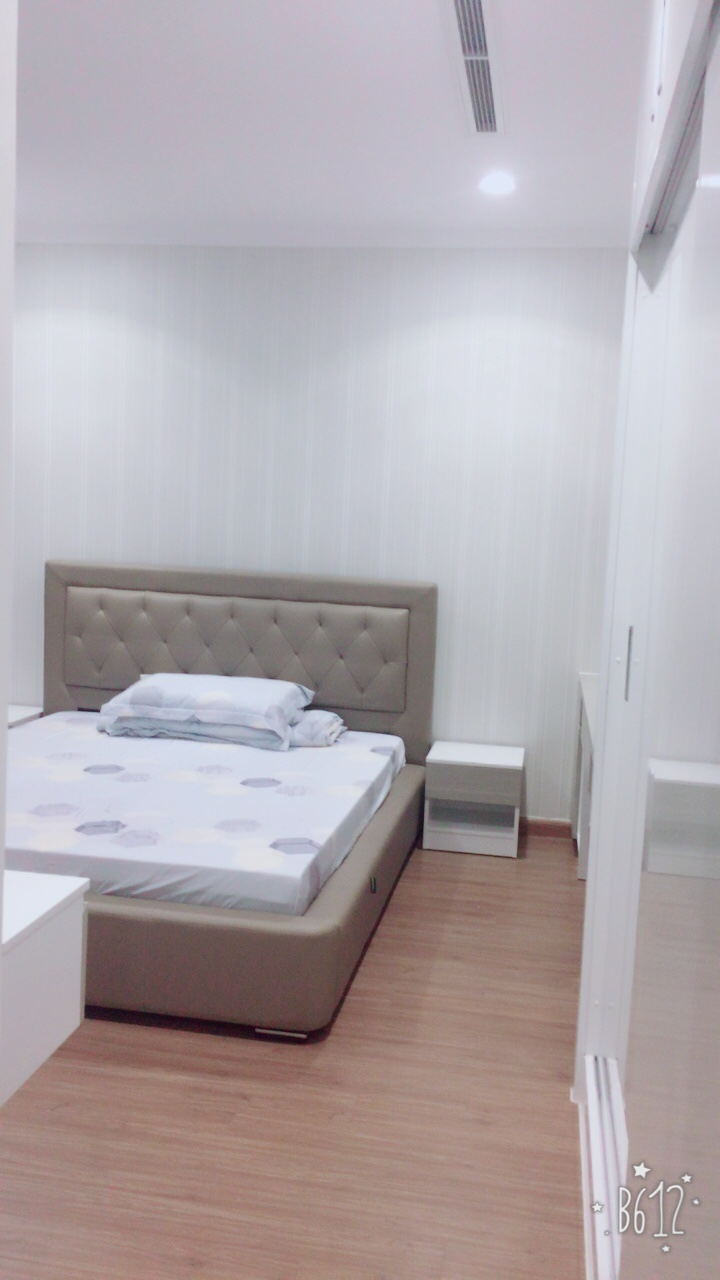 vinhomes central park apartment for rent in binh thanh district hcmc BT105L404(18)