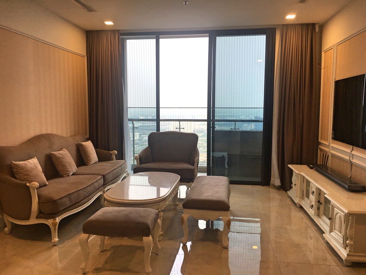 vinhomes golden river apartment for rent in district 1 hcmc D1022699 (8)