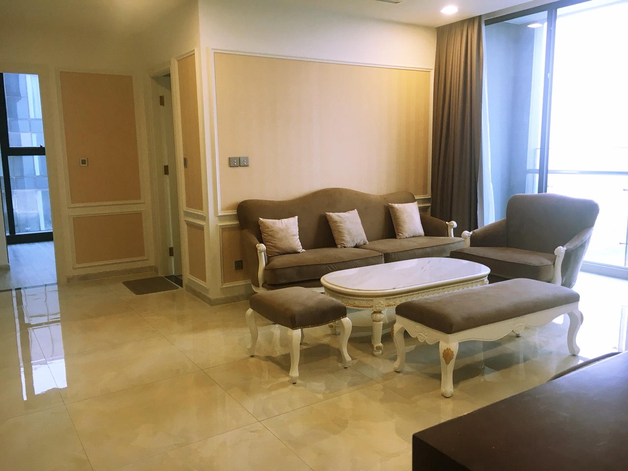 vinhomes golden river apartment for rent in district 1 hcmc D1022699 (1)