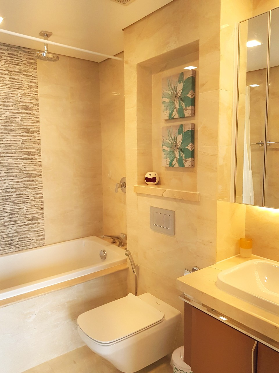 vinhomes golden river apartment for rent in district 1 hcmc D102272 (11)