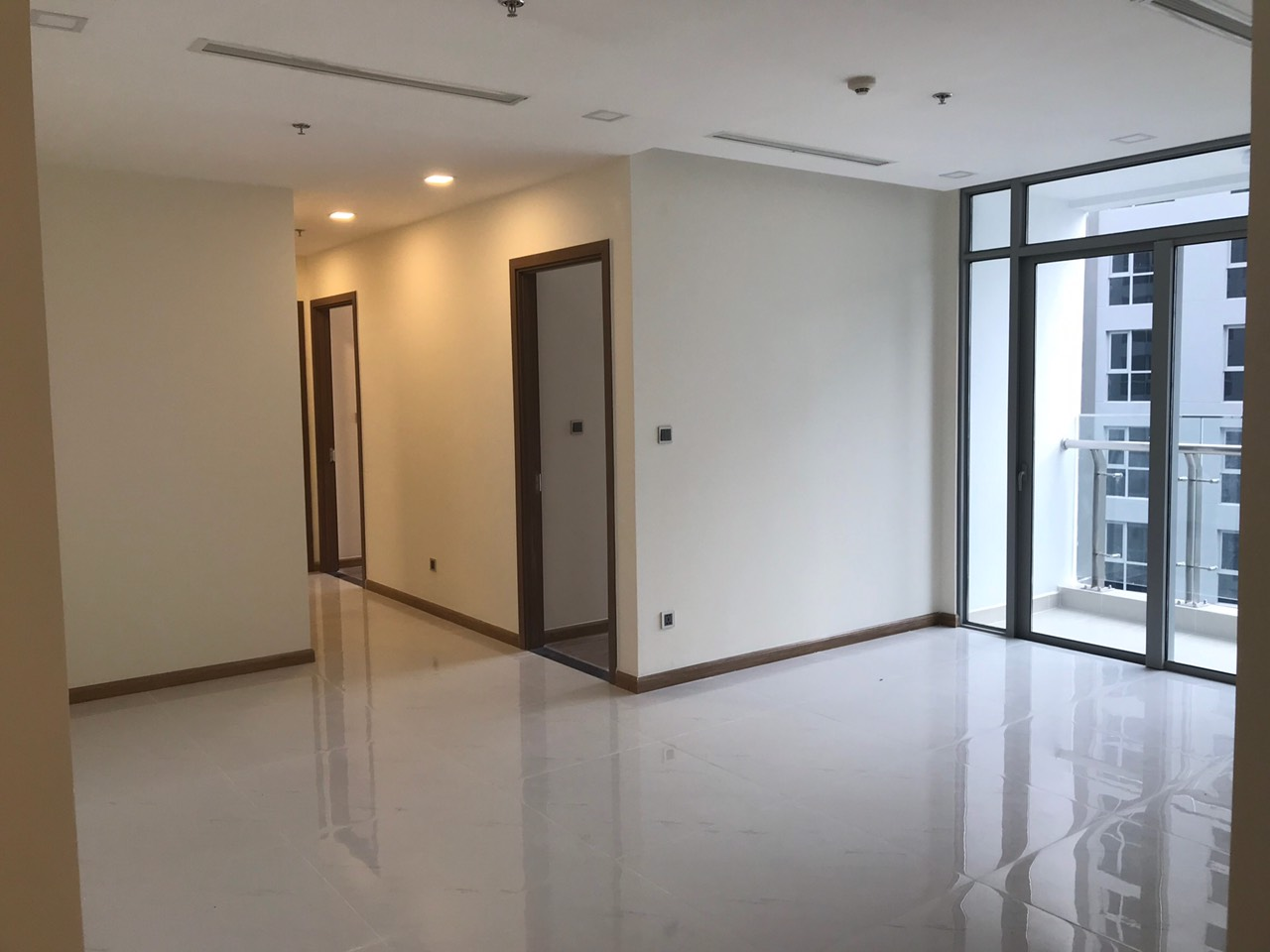 vinhomes central park apartment for rent in binh thanh district hcmc BT105P3673 (1)