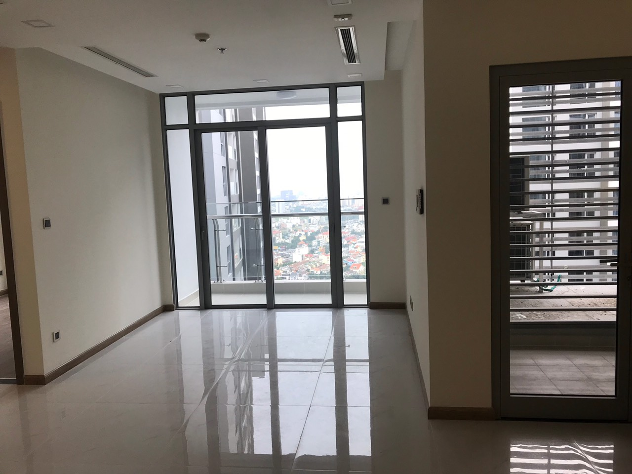 vinhomes central park apartment for rent in binh thanh district hcmc BT105P3673 (3)